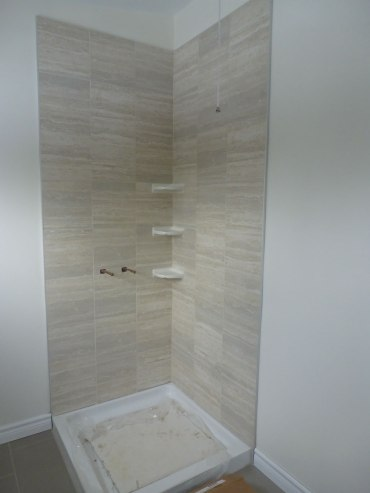 almonte_Shower surround tile