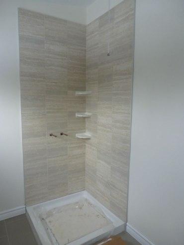almonte_Shower surround tile